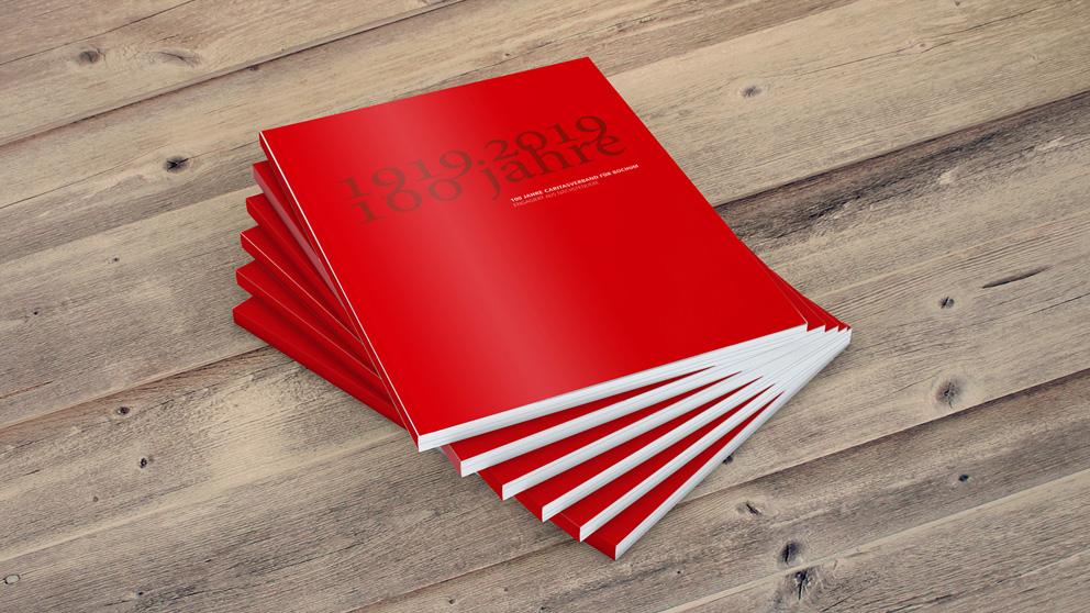 """Titelseite der Jubiläumsbroschüre """"100 Jahre Caritas"""""""
