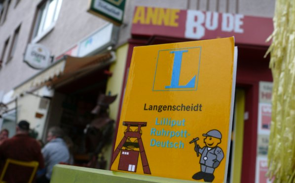 Langenscheidt Lilliput Ruhrpott-Deutsch anne Bude © Sandra Anni Lang